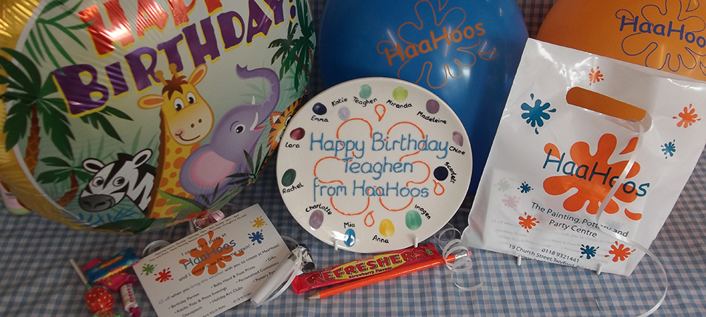 HaaHoos balloons, party bags, celebration plate