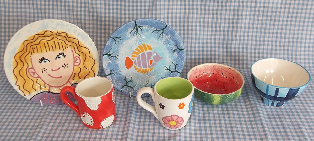 Medium mugs, plates and bowls Brownie groups